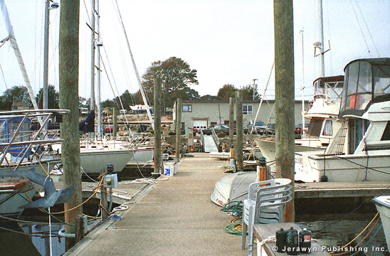 Spicer's Noank Marina, West Cove, Noank, CT Thumbnail 17-1253-4.jpg