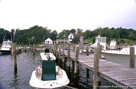 Fishers Island Yacht Club, West Harbor, Fishers Island, Fishers Island, NY Thumbnail 17-2526-5.jpg