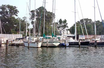 Petrini Shipyard Marina Severn River Spa Creek Annapolis Md Thumbnail 36